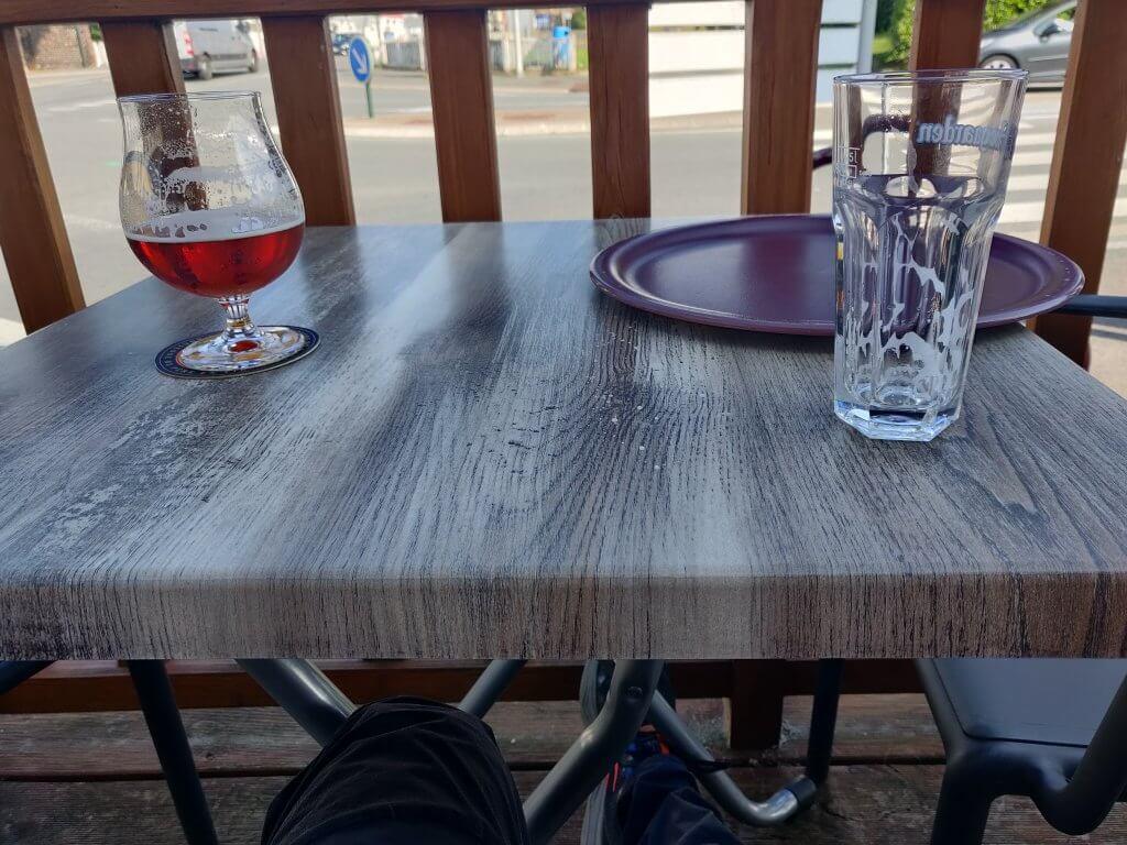 premier verre en terrasse